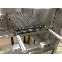 V-shaped flat grill for rotisserie